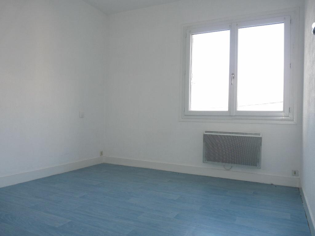 Appartement à vendre 4 70.63m2 à Royan vignette-8
