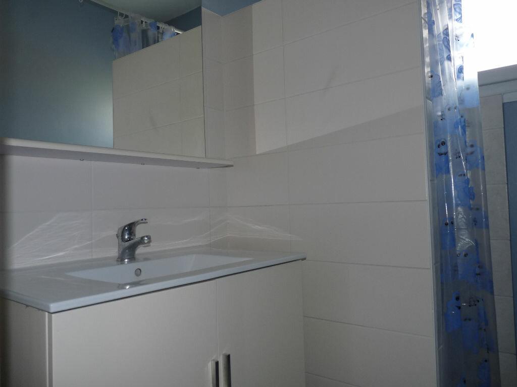 Appartement à vendre 4 70.63m2 à Royan vignette-9