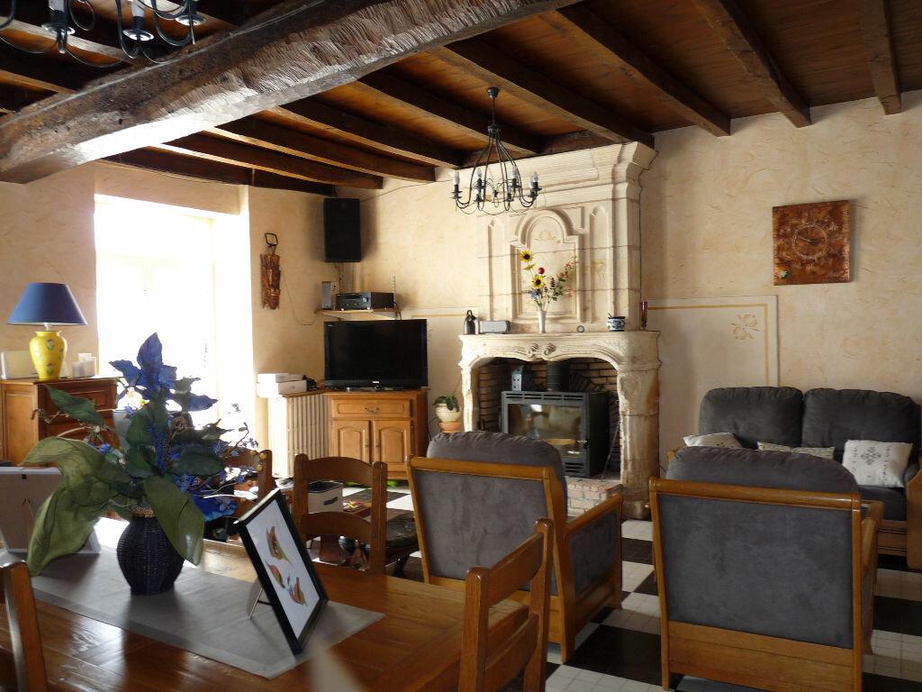 Maison à vendre 7 180m2 à La Gripperie-Saint-Symphorien vignette-5