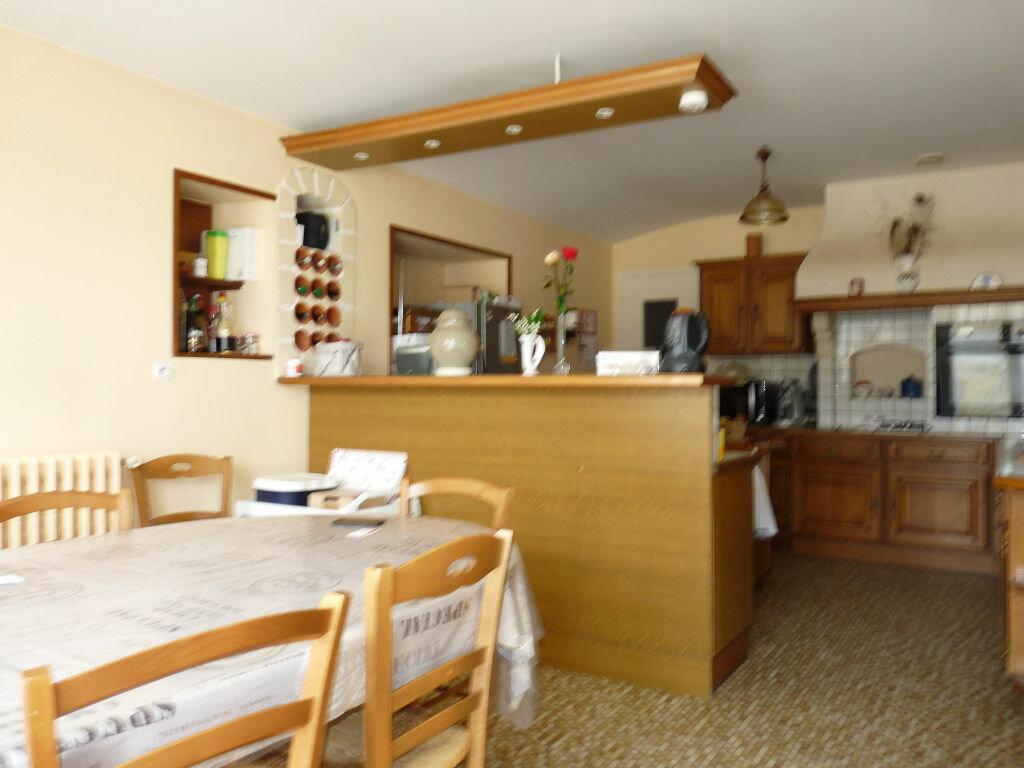 Maison à vendre 7 180m2 à La Gripperie-Saint-Symphorien vignette-7
