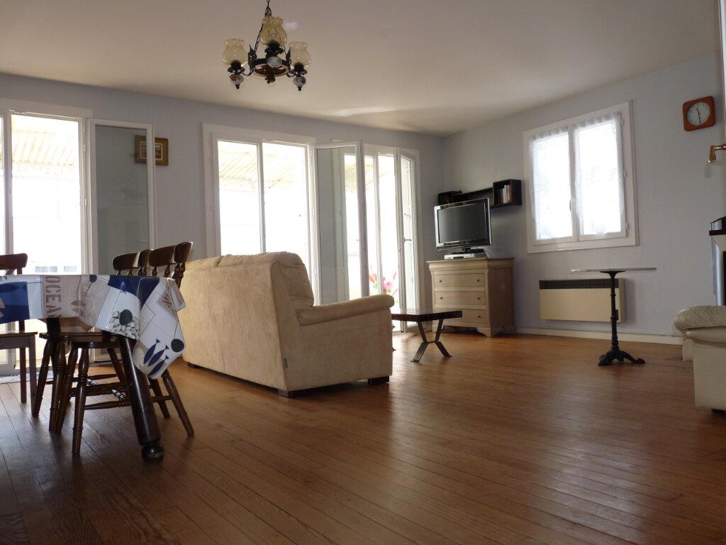 Appartement à vendre 4 95.42m2 à Royan vignette-3
