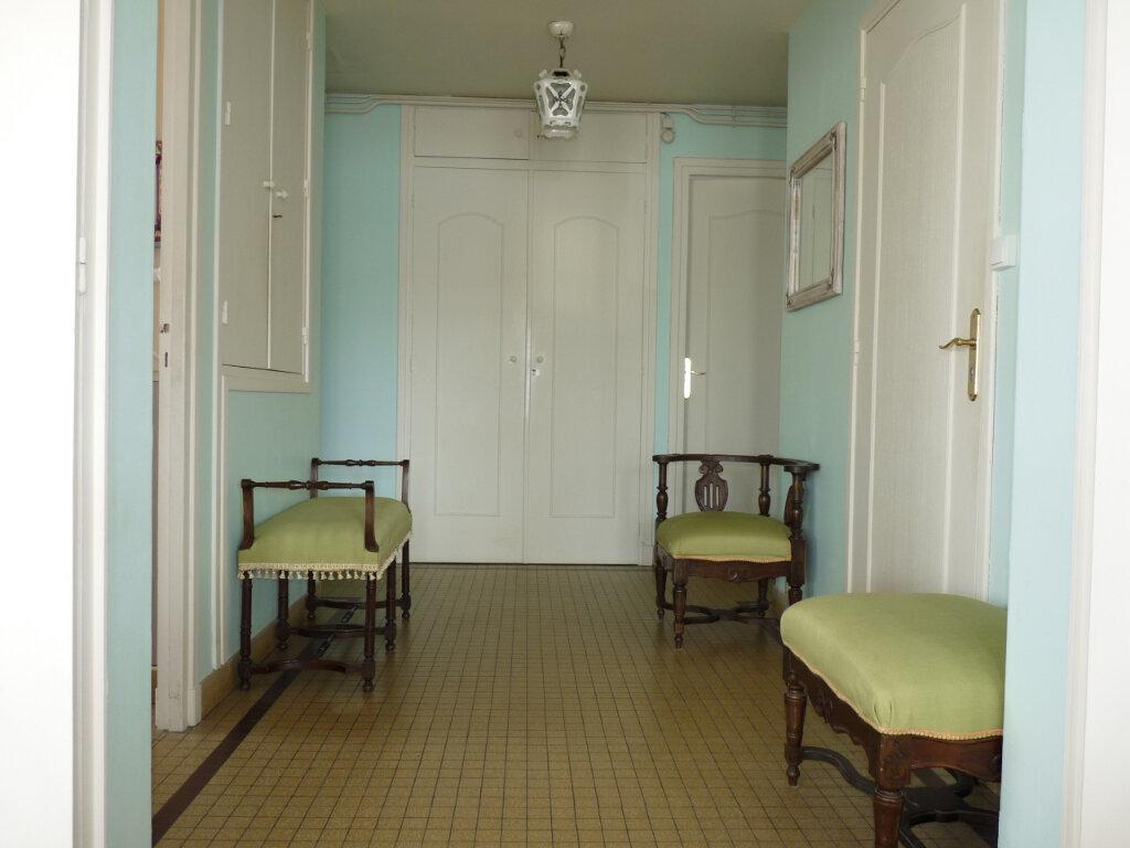 Appartement à vendre 4 95.42m2 à Royan vignette-8