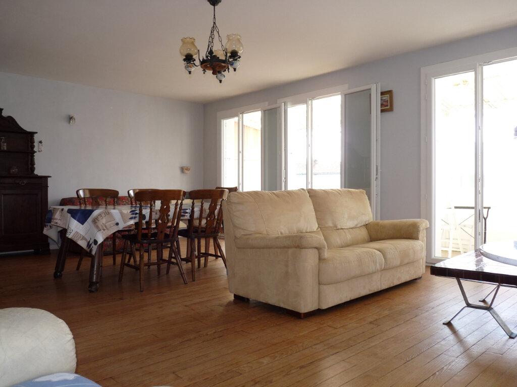 Appartement à vendre 4 95.42m2 à Royan vignette-9
