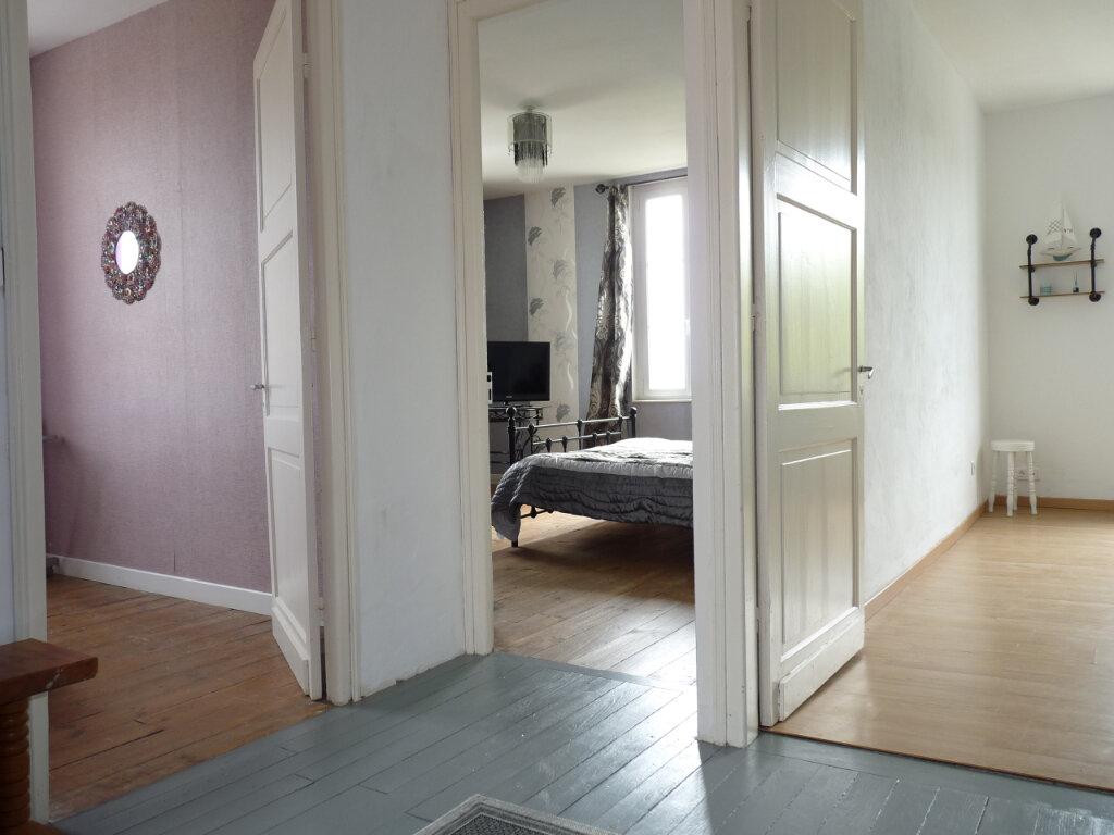 Maison à vendre 4 105m2 à Semussac vignette-11