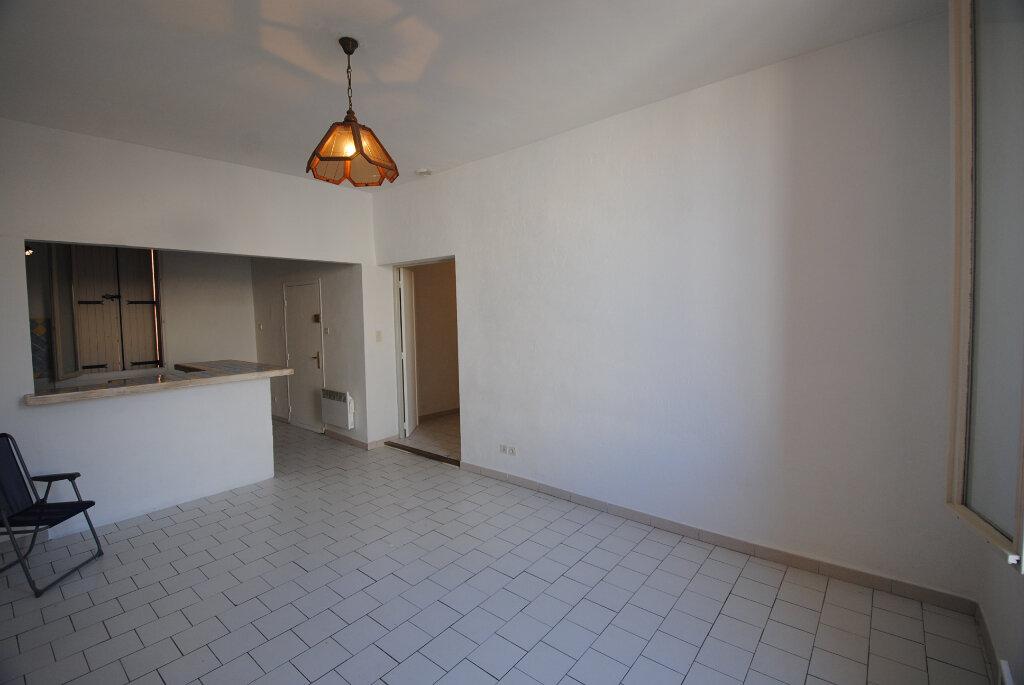 Appartement à vendre 3 59m2 à Sainte-Tulle vignette-4
