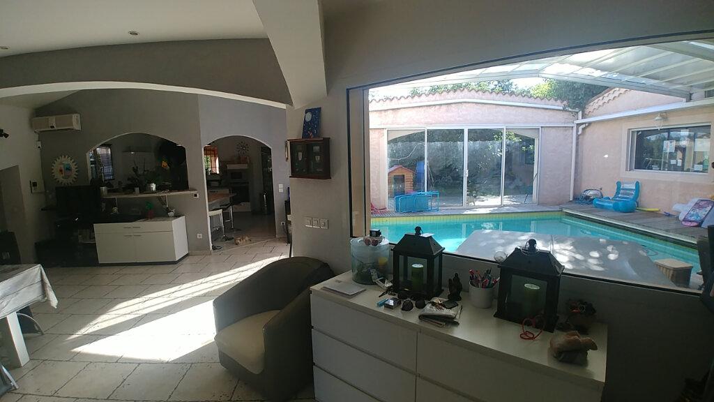 Maison à vendre 7 202m2 à Sainte-Tulle vignette-6