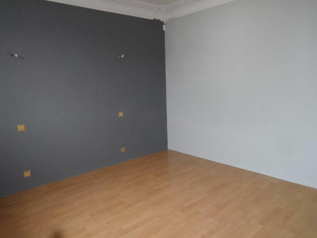 Maison à louer 5 126.01m2 à Saint-Jean vignette-4