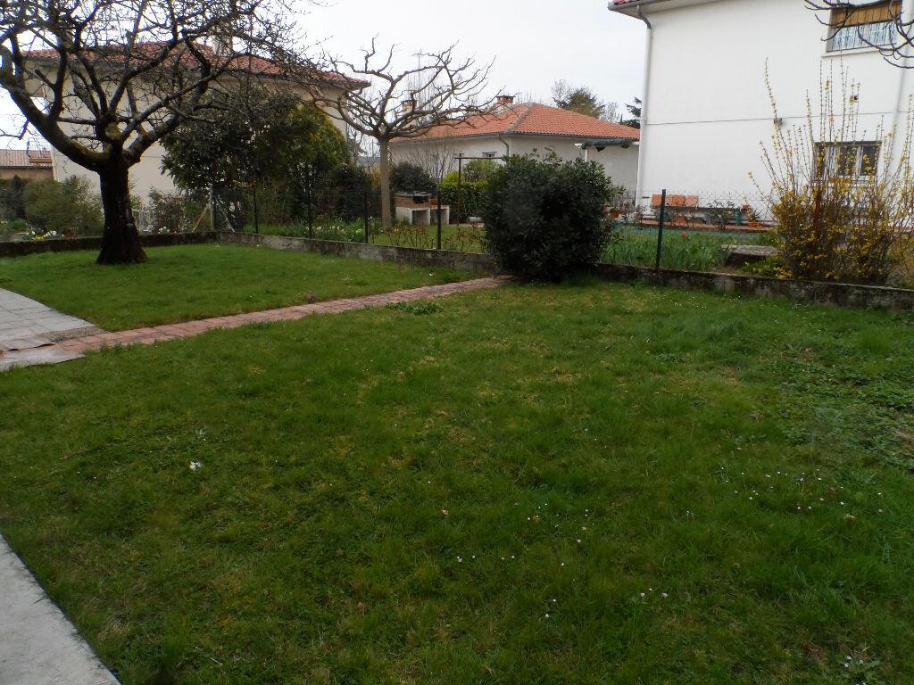Maison à louer 5 126.01m2 à Saint-Jean vignette-8