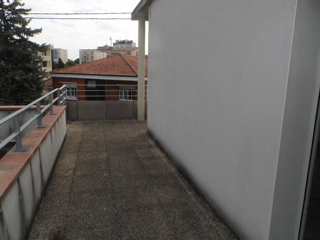 Appartement à louer 3 57.75m2 à Toulouse vignette-2