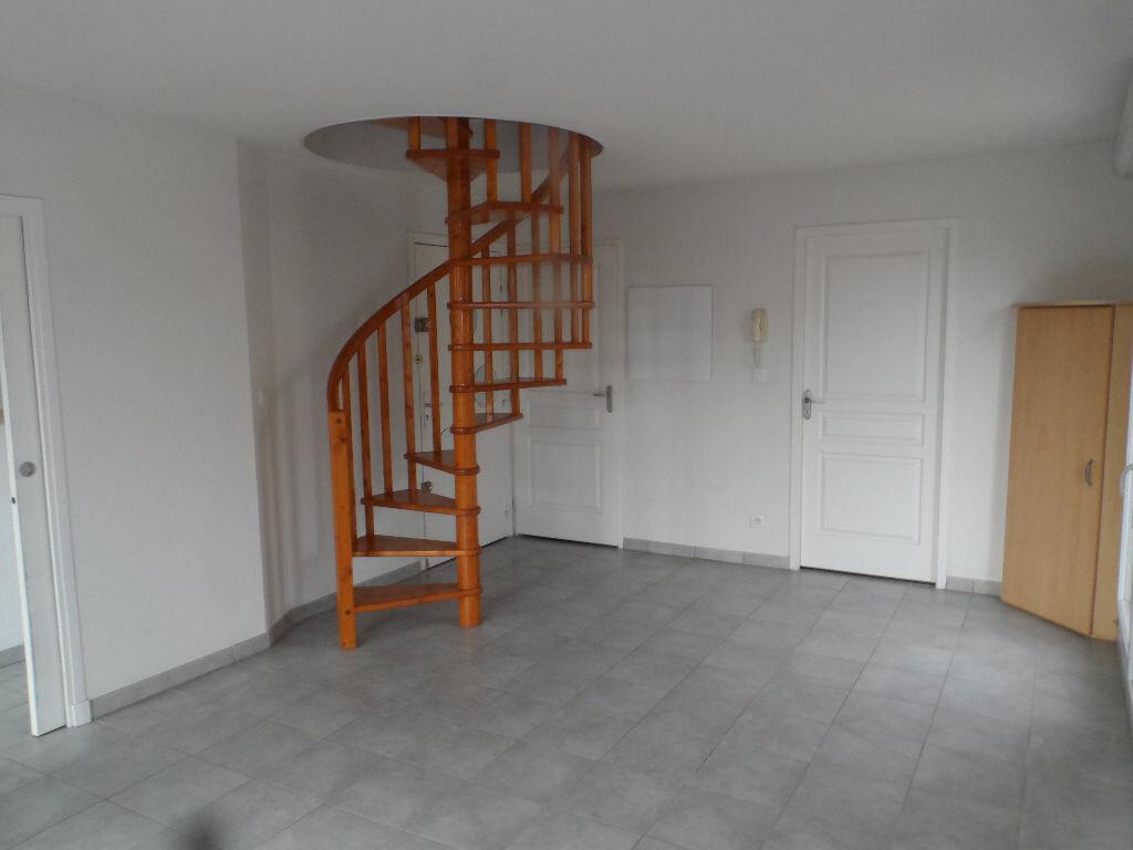 Appartement à louer 3 57.75m2 à Toulouse vignette-4