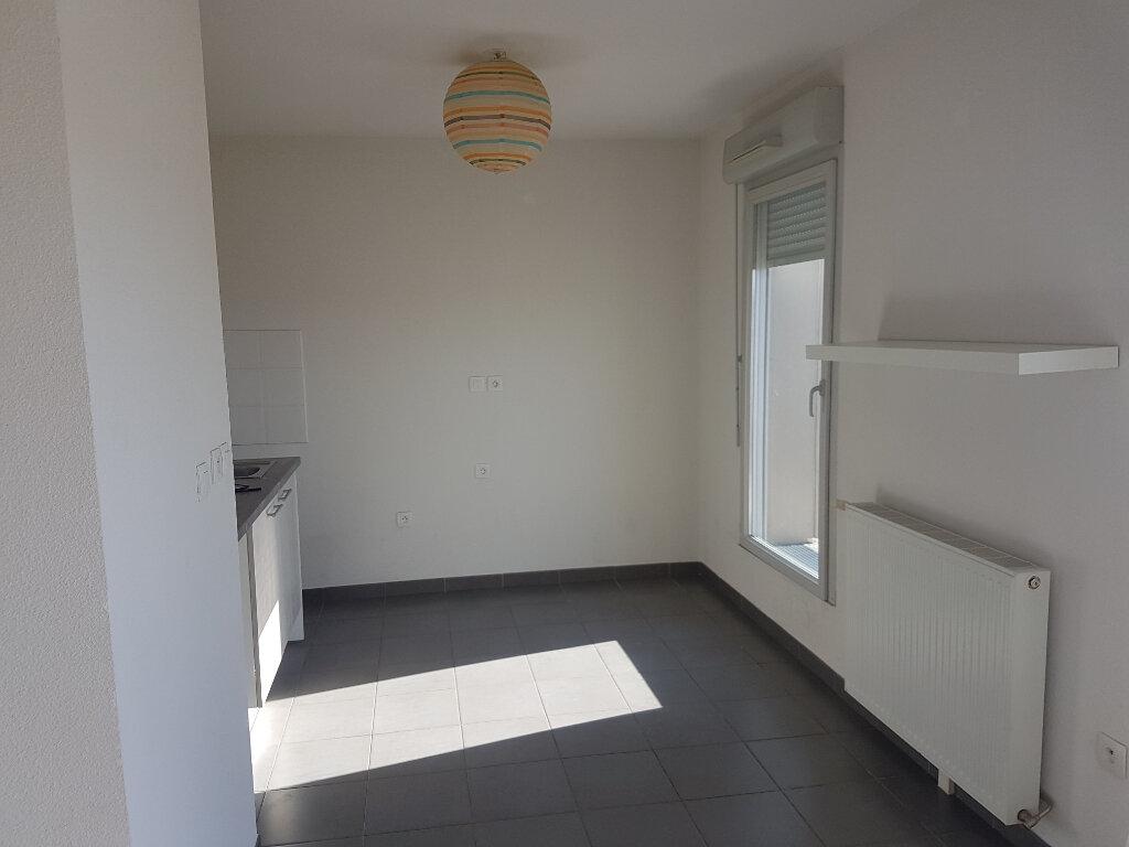 Appartement à louer 3 58m2 à Toulouse vignette-2