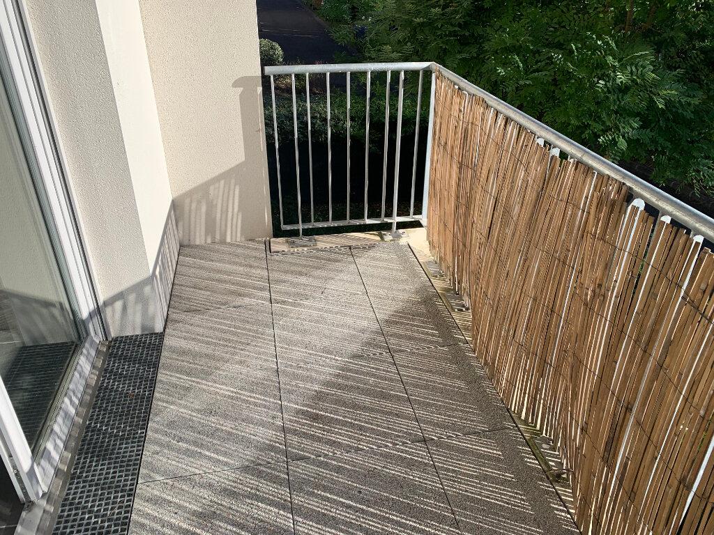 Appartement à louer 3 61.42m2 à Toulouse vignette-6