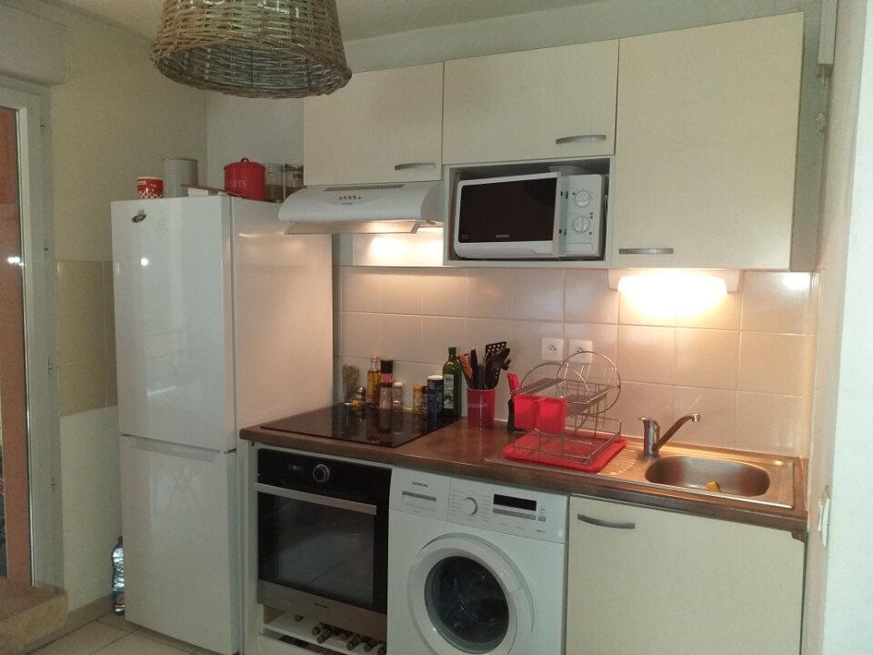 Appartement à louer 3 60.13m2 à Grenade vignette-2