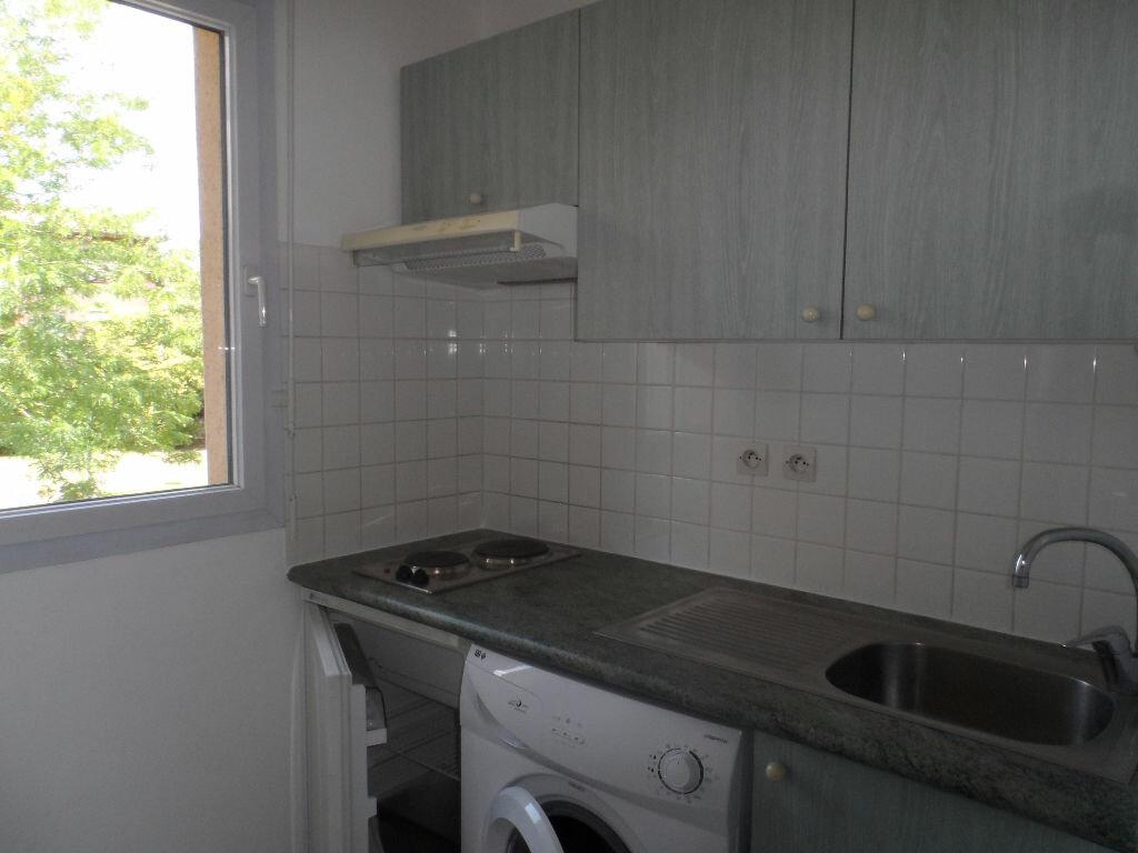 Appartement à louer 2 39.79m2 à Toulouse vignette-3