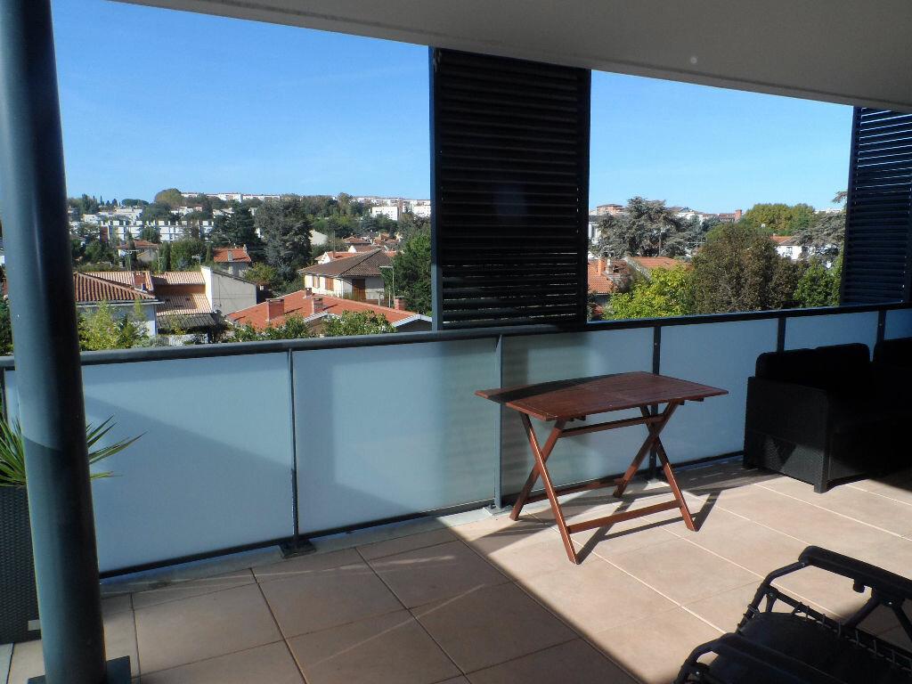Appartement à louer 3 61m2 à Toulouse vignette-2