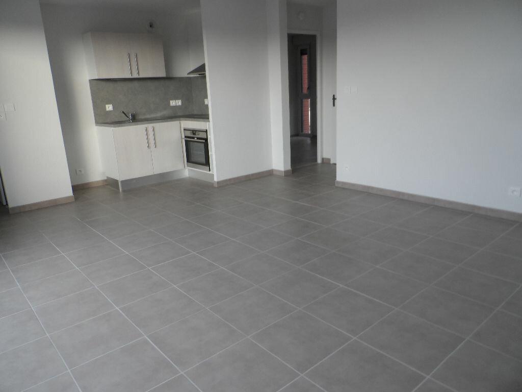 Appartement à louer 3 61.5m2 à Cugnaux vignette-1