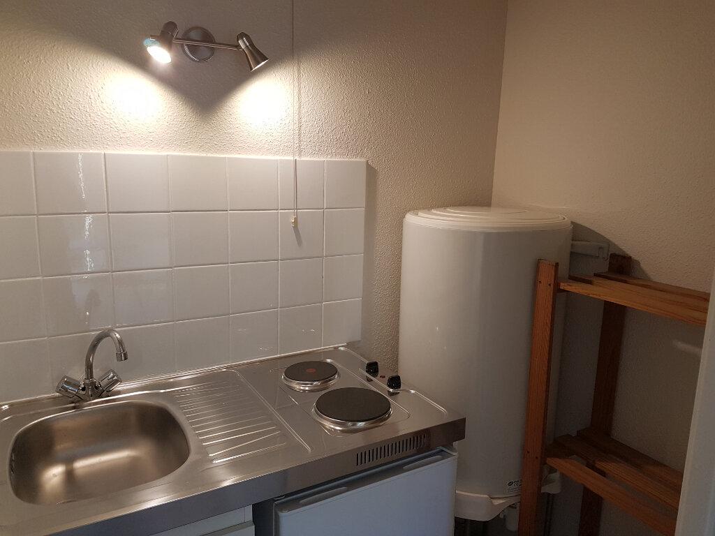 Appartement à louer 1 22m2 à Toulouse vignette-5