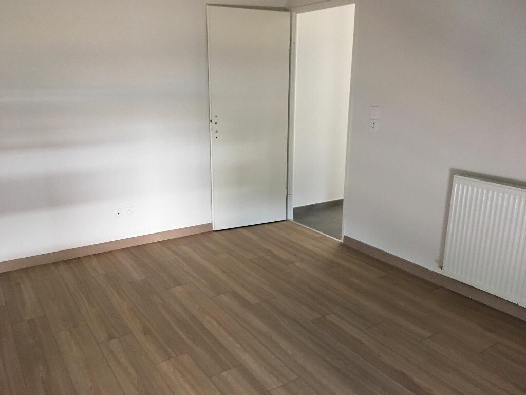 Appartement à louer 3 68.18m2 à Colomiers vignette-4