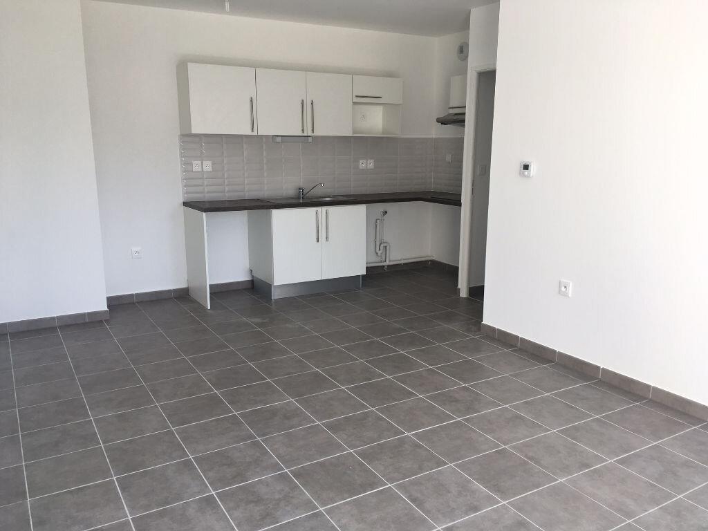 Appartement à louer 3 56m2 à Toulouse vignette-2