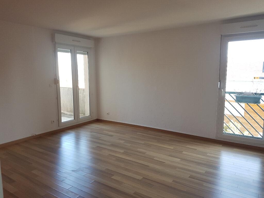 Appartement à louer 3 63m2 à Toulouse vignette-1