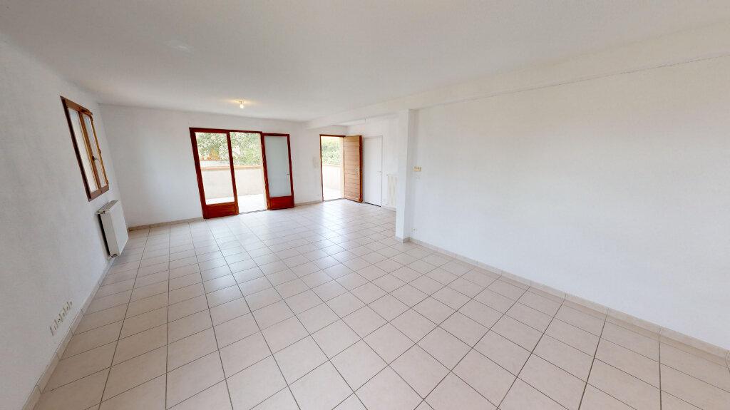 Maison à vendre 4 116.18m2 à Daux vignette-1