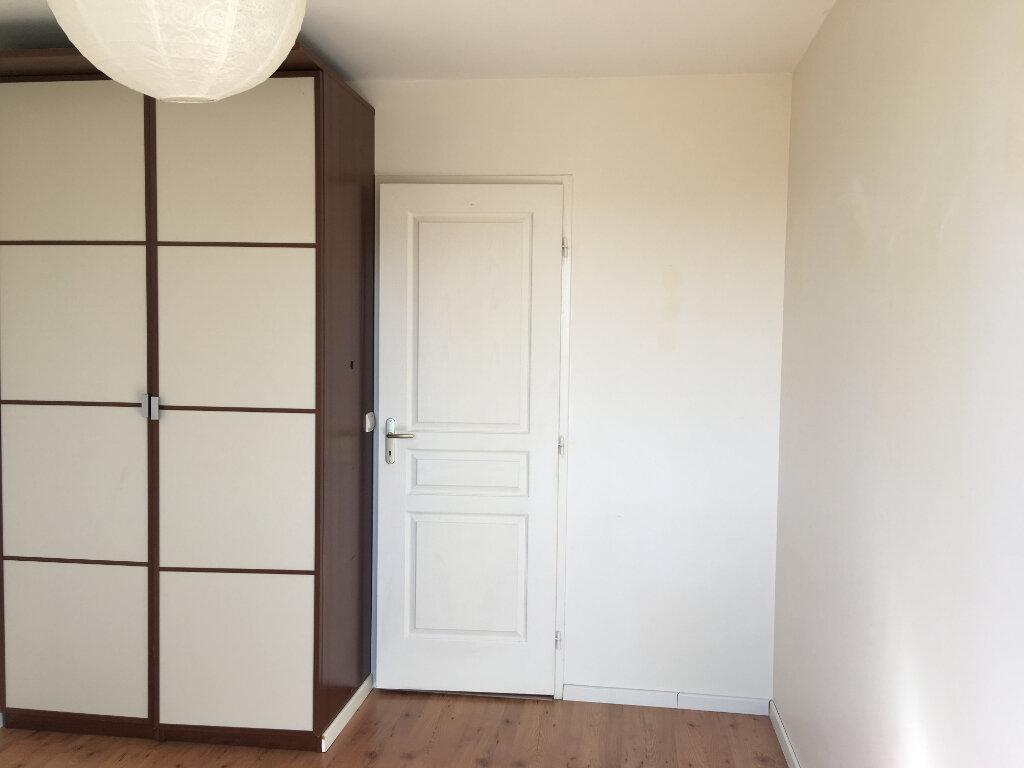 Maison à louer 4 100.4m2 à Plaisance-du-Touch vignette-5