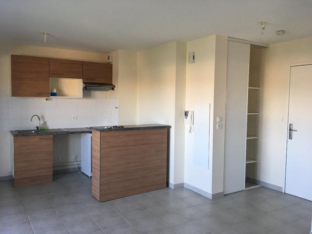 Appartement à louer 2 41m2 à Toulouse vignette-2
