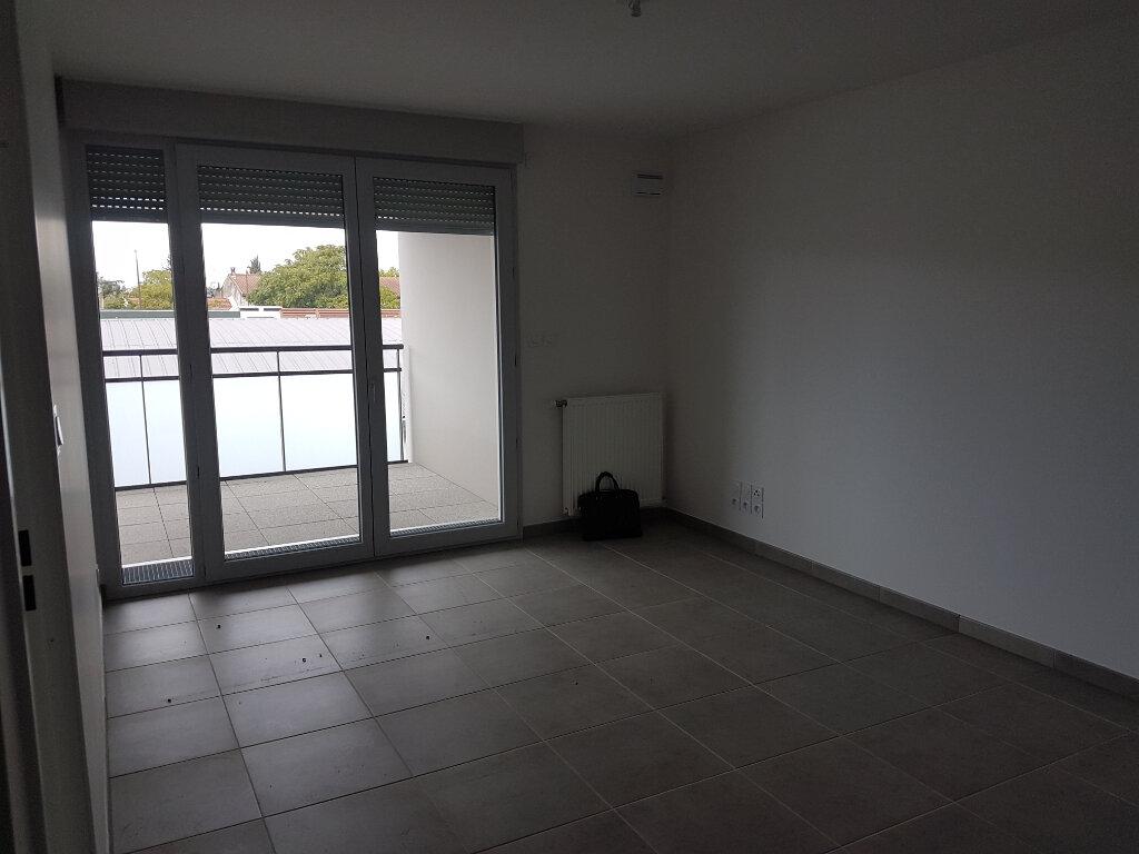 Appartement à louer 3 61.19m2 à Toulouse vignette-2