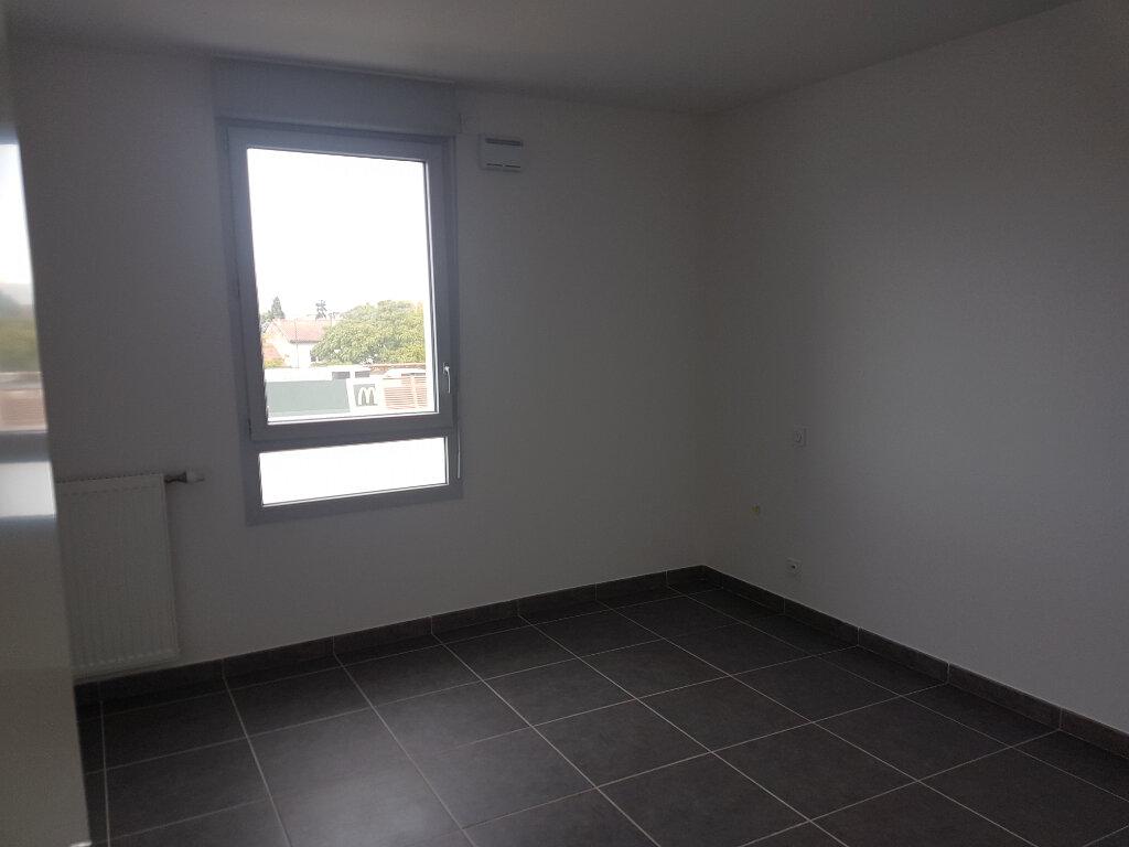 Appartement à louer 3 61.19m2 à Toulouse vignette-3
