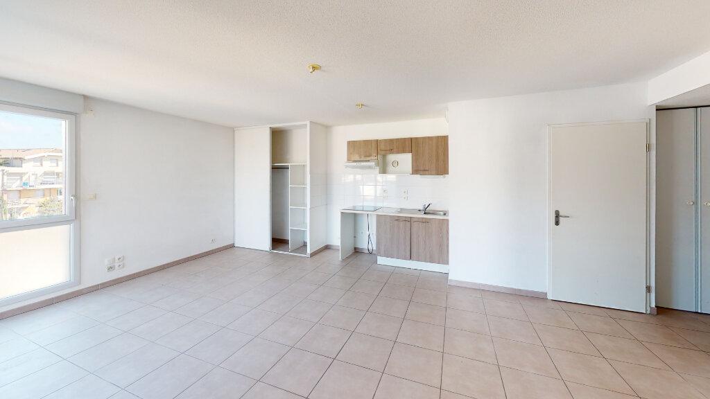 Appartement à louer 3 58.62m2 à Toulouse vignette-2