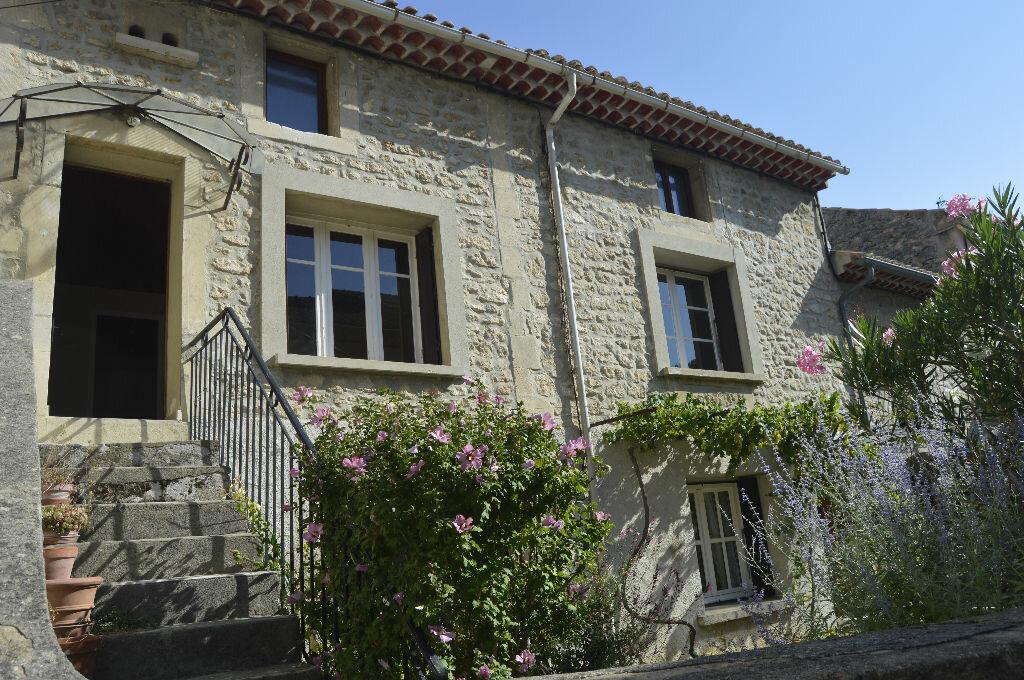 Appartement à louer 3 49.25m2 à Saint-Paul-Trois-Châteaux vignette-1