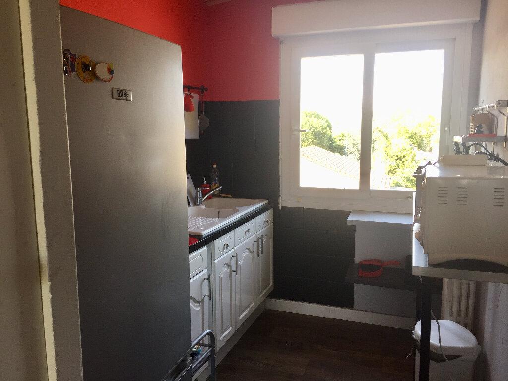Appartement à vendre 3 56m2 à Bourg-Saint-Andéol vignette-5