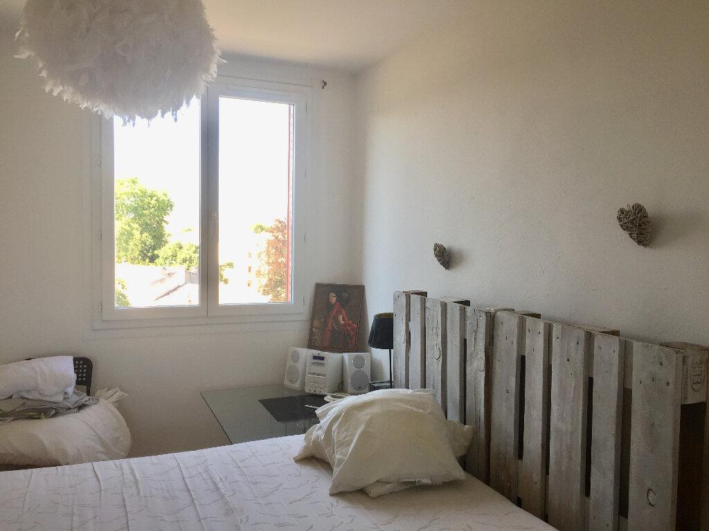 Appartement à vendre 3 56m2 à Bourg-Saint-Andéol vignette-7