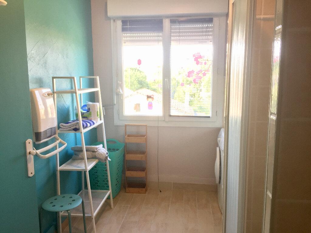 Appartement à vendre 3 56m2 à Bourg-Saint-Andéol vignette-11