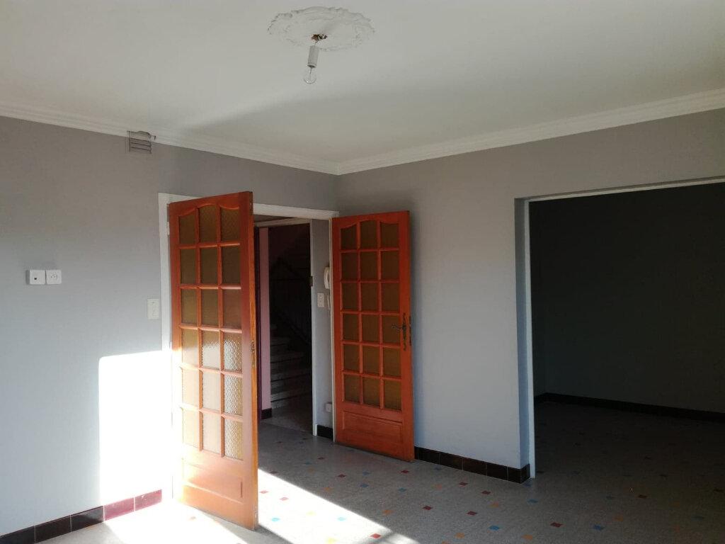 Appartement à louer 3 71.49m2 à Bourg-Saint-Andéol vignette-1