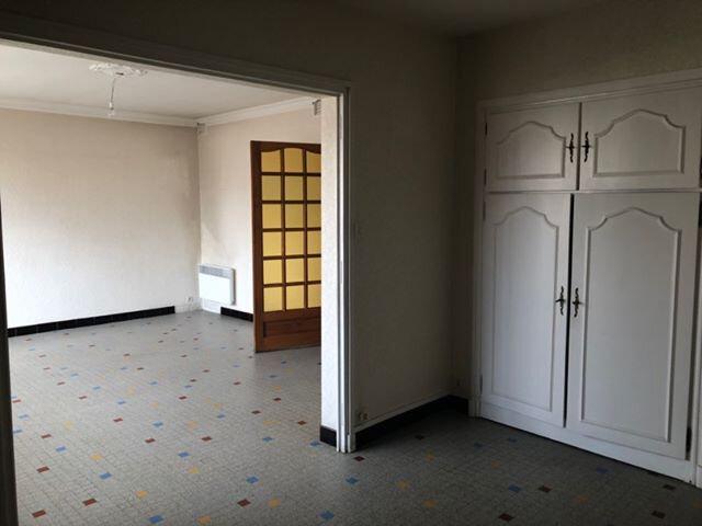Appartement à louer 3 71.49m2 à Bourg-Saint-Andéol vignette-4