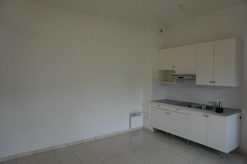 Appartement à louer 1 28m2 à Vaires-sur-Marne vignette-3