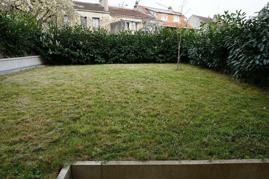 Appartement à louer 1 28m2 à Vaires-sur-Marne vignette-7