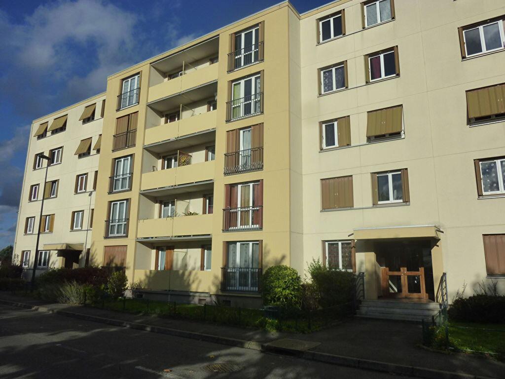 Appartement à louer 2 50m2 à Brou-sur-Chantereine vignette-1