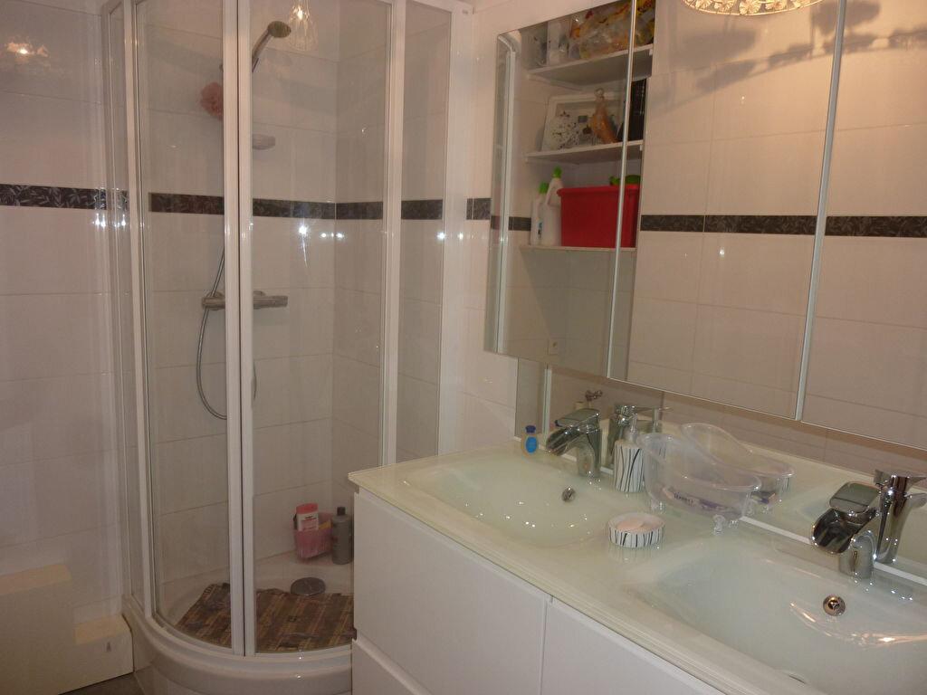 Appartement à louer 2 50m2 à Brou-sur-Chantereine vignette-3