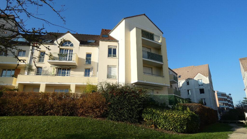 Appartement à louer 2 60m2 à Vaires-sur-Marne vignette-1
