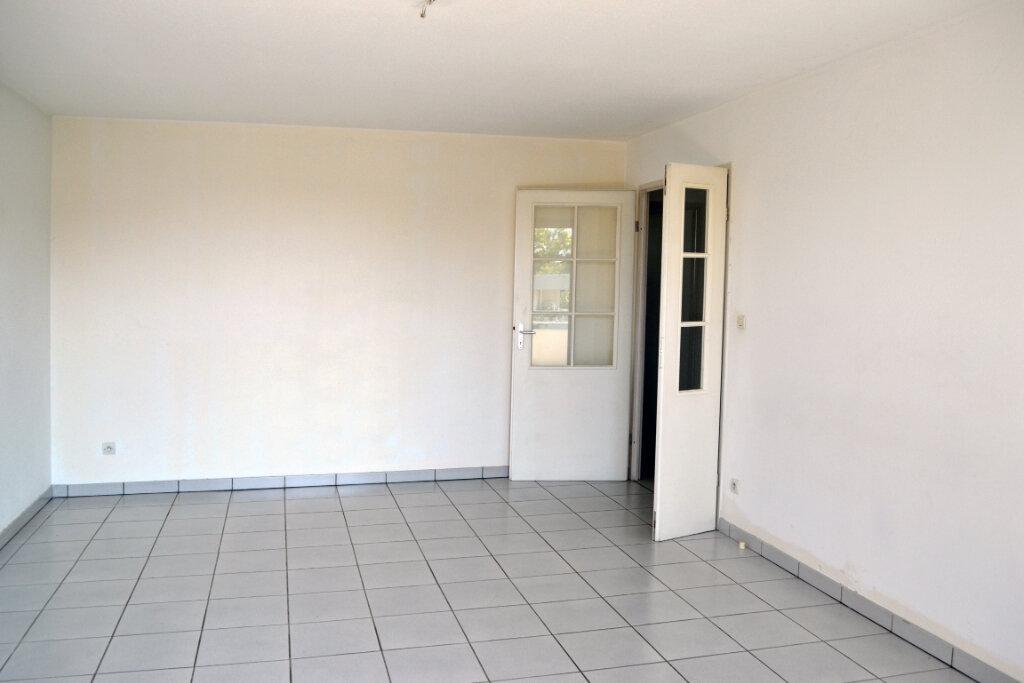 Appartement à louer 3 59.44m2 à Toulouse vignette-3