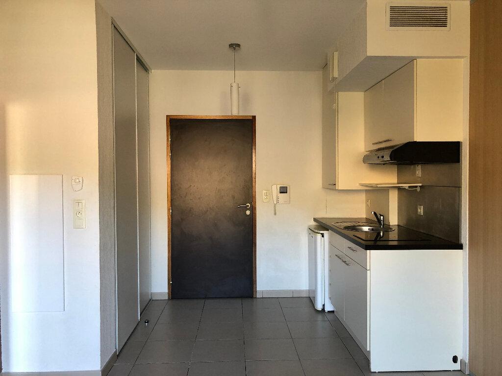 Appartement à louer 1 28.56m2 à Manosque vignette-1