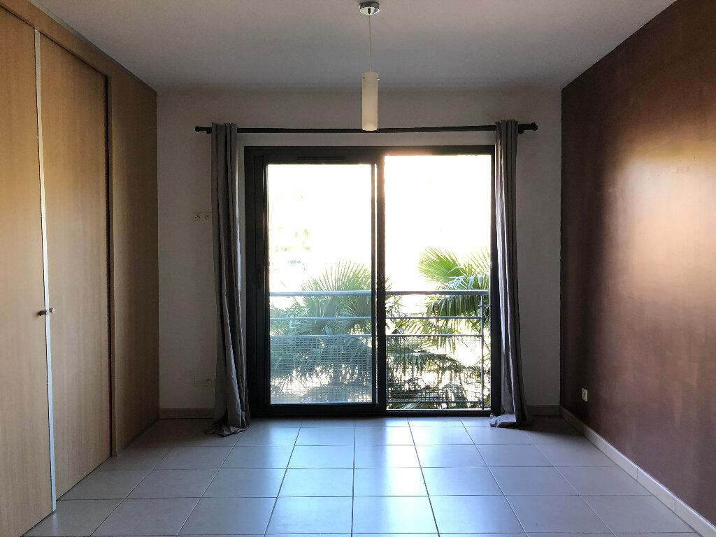 Appartement à louer 1 28.56m2 à Manosque vignette-3