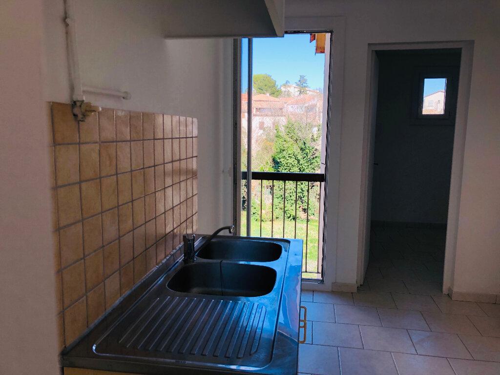 Appartement à louer 3 61.11m2 à Manosque vignette-3