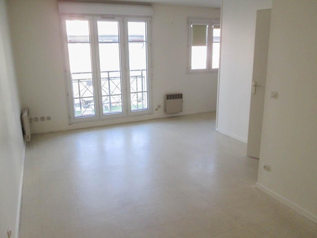 Appartement à louer 1 31.95m2 à Clamart vignette-1