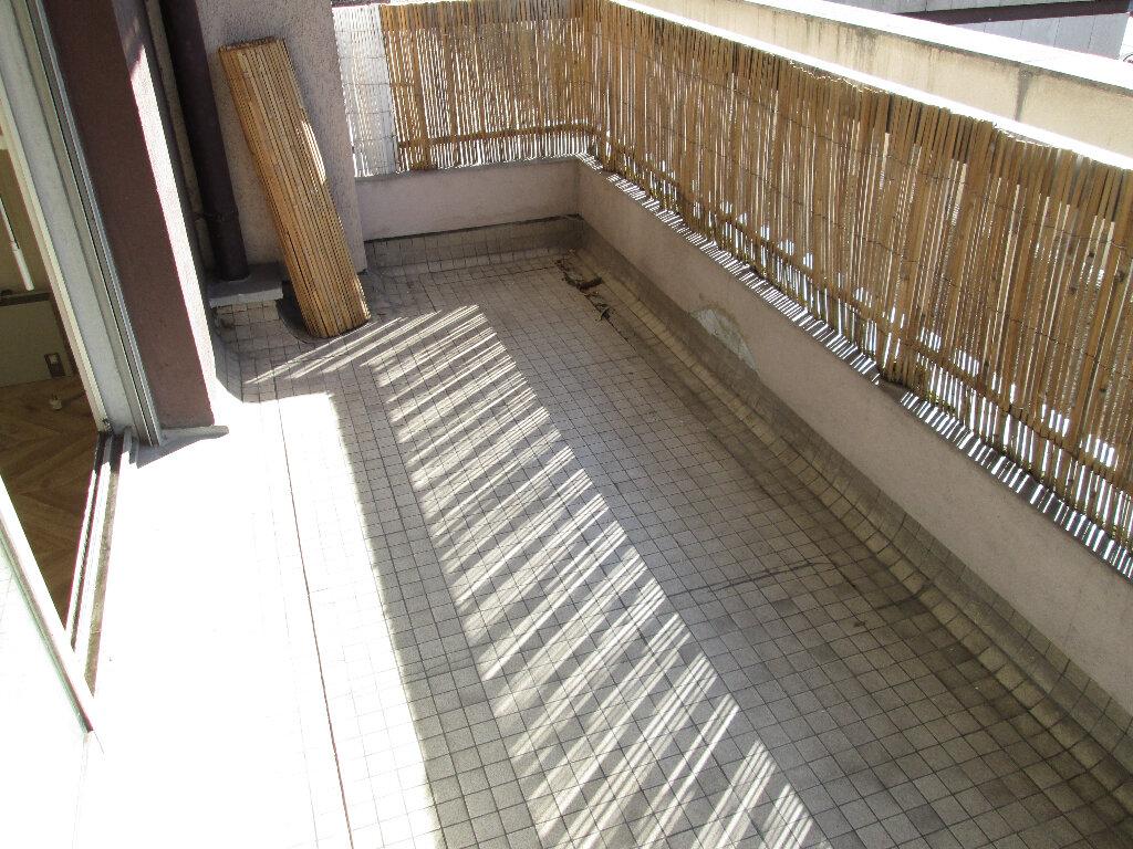 Appartement à louer 3 70m2 à Clamart vignette-1