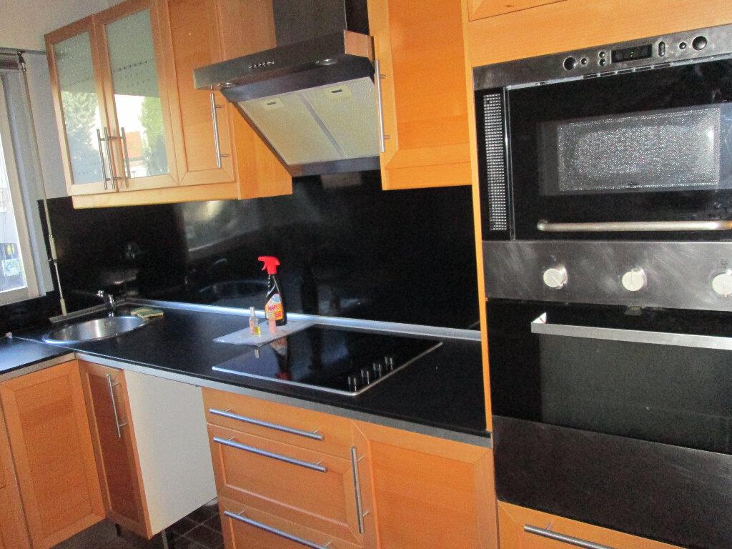 Appartement à louer 3 70m2 à Clamart vignette-4