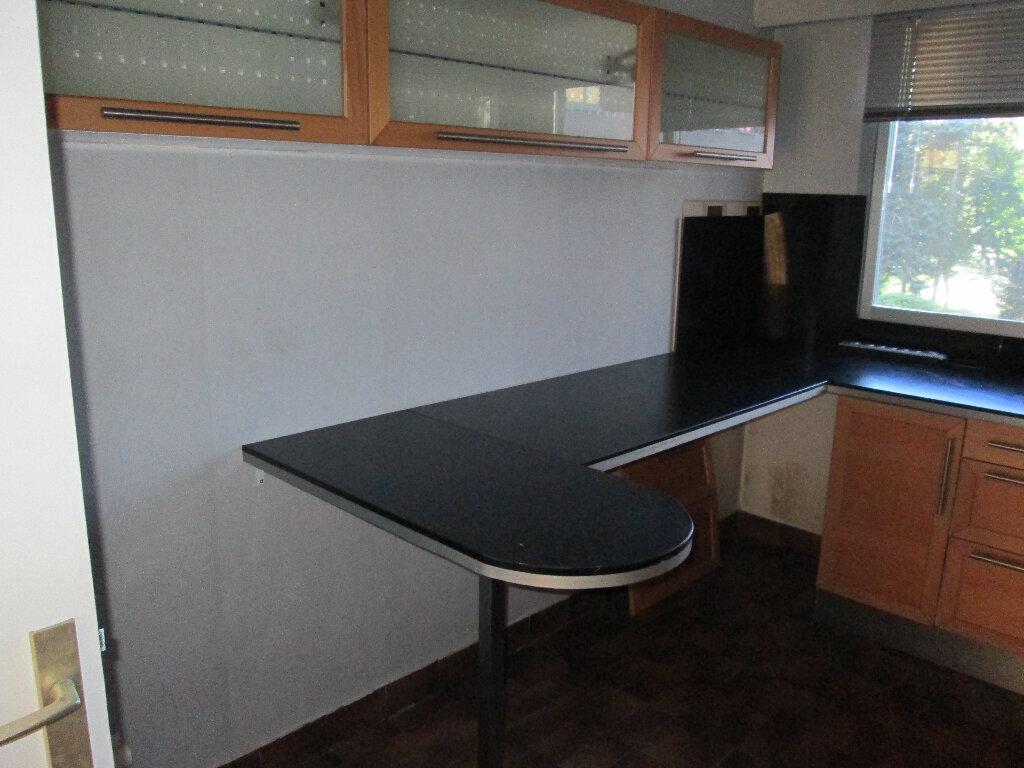 Appartement à louer 3 70m2 à Clamart vignette-5