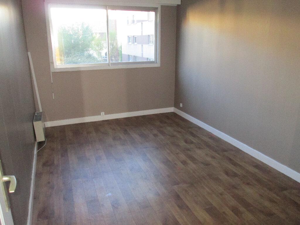 Appartement à louer 3 70m2 à Clamart vignette-6